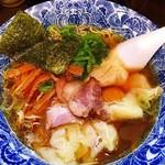 72585097 - 肉厚ワンタン麺600円
