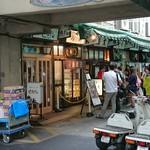 72587297 - 皆寿司方面にはしるので、鳥藤はそれほどは混みません❗店内は常時満席ですけど・・・