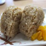 北九州駅弁当 ぷらっとぴっと 4号売店 - かしわおにぎりでかしわづくしw