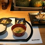 ありの道  - 料理写真:鮮魚のカマ焼定食800円