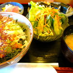 旭寿司 - 蟹ちらし丼ランチ全景