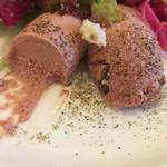 ビストロ レスカリエ - 鶏白レバーのムース アップ