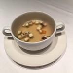 ジードロップ - スープは上品なコンソメ