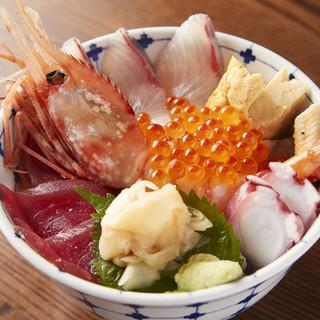 当店人気NO.1の「特選海鮮丼」