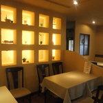 イタリア厨房 KUNISHIMA - 棚にお二人の写真などを入れて、二次会にもピッタリ!