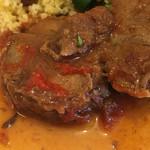 ビストロ レスカリエ - 仔羊肩肉の柔らかトマト煮込みアップ
