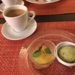 鉄板Diner JAKEN - 本日のデザート 、ホットコーヒー