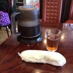 中国料理 水晶楼 - お水じゃなくてウーロン茶とおしぼり