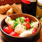 4階のイタリアン 磨屋町 - 大山鶏ささ身とプチトマトのアヒージョ