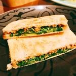 エムズグリエ - ○パクチーサンドイッチ様