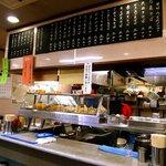 かめや - おいしそうな天ぷらが並びます