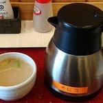 かくや - 蕎麦処 かくや 両国店 豚しゃぶ胡麻つけそばの少々残った汁に保温ポットで供される薄めの蕎麦湯をたっぷりんこ注ぎルチン追加補給も完了