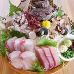 海鮮居酒屋 山傳丸 - 料理写真:刺身4点盛
