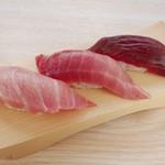 鮨やまと - 料理写真:まぐろ三貫