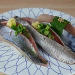 居魚屋 やまと - 料理写真:青魚三貫