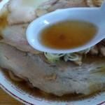 中華そば 琴の - スープの感じ