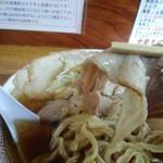 中華そば 琴の - チャーシュー 下に見えるは太麺