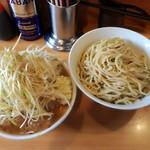 ラーメン二郎 - 大つけ麺+豚+ネギ ※全増し