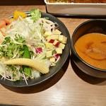 72623923 - どっさり野菜で麺が見えない!1日分の野菜を食べる海老つけ麺950円