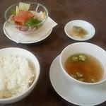 Ryuutenrou - 週替わりランチ(スープ・サラダ・白飯・漬物)