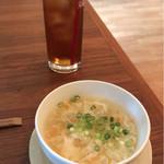 72624635 - 烏龍茶と玉子生姜スープ