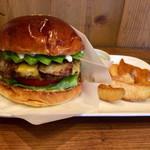 ザグッドベアーバーガー - ●ABCバーガー 1,480円 アボカド、ベーコン、チーズ入り  ●ポテトS 100円