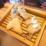 魚河岸酒場 FUKU浜金 - さつまいも天 130円、長ナス天 130円、レタスチーズ肉巻き天 280円