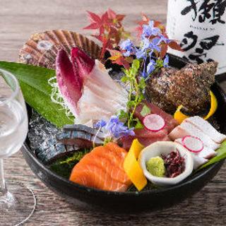 【自慢の食べるべき逸品】新鮮魚盛り合わせ♪ぜひご堪能下さい!