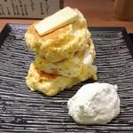 紅鶴 - 蜂蜜とバター(1,000円)ホイップ(+100円)