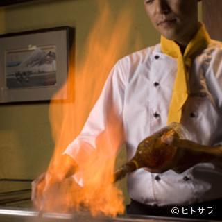 目の前でシェフが焼き上げる最高級ステーキがお手頃価格で