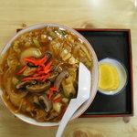 びっくりや - 一番人気の中華丼