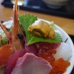 まさる - 海鮮丼アップ☆