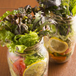 銀座9丁目 - 彩り野菜のメイソンジャーサラダ