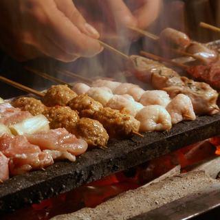 自然の恵みを受けた富士山麓の「信玄鶏」の焼き鳥をどうぞ!