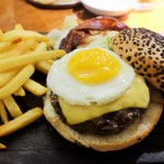 Savannah Grill - 料理写真:The Powerhouse Burger
