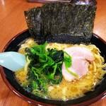 玉学家 - 料理写真:ラーメンのり増し。¥680+¥50