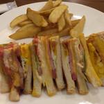 キロロトリビュートポートフォリオホテル北海道 - 料理写真:クラブハウスサンド