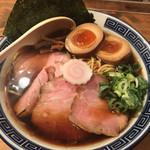 井田商店 - 料理写真:特醤油ラーメン 950円