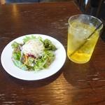 coci - ランチにつく春雨サラダとジャスミンティ