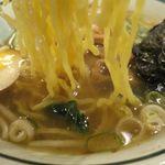 ラーメン小太郎 - 塩ラーメンの麺