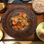 大戸屋 - 真だらと野菜の黒酢あん定食