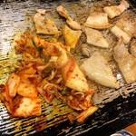 李朝園 - 料理写真:サムギョプサル