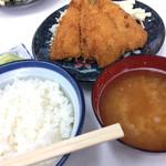 シイナ食堂 - 料理写真:アジフライ定食(700円)★★★★☆