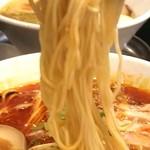 伊駄天 - 低加水目なストレート中細麺
