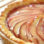 山のホテル ボン・ ロザージュ - 人気商品のりんごパイ。相模大野店や本厚木店で販売しております。
