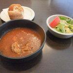 7266211 - サラダ ボルシチ風スープ パン