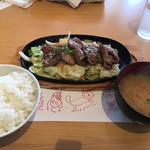 72660284 - 鉄板焼き肉ランチ税込み950円