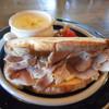 conne - 料理写真:自家製ハムとカマンベールチーズのサンドイッチ