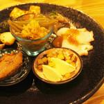 東北うまいもの酒場 プエドバル - 料理写真:初めての方はぜひ!東北のおつまっみ盛り合わせ