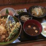 岡田 - ♪とり天丼定食 ¥870